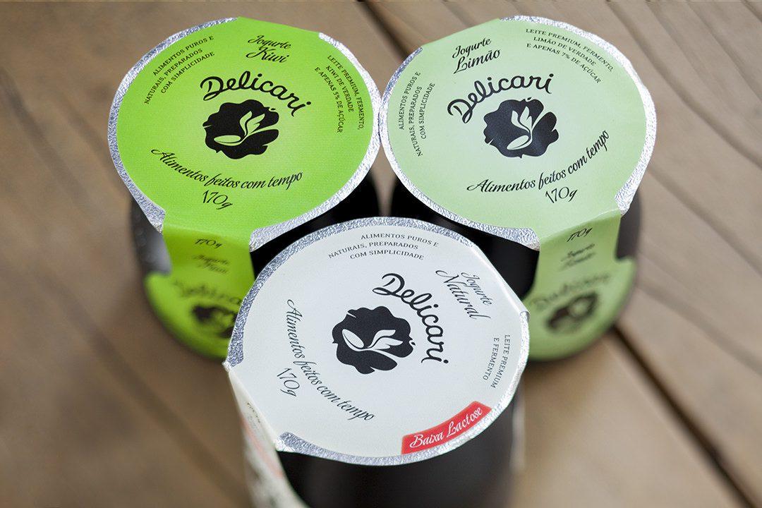 Três Potinhos de Iogurte da Delicari